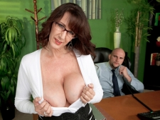 Fucking the huge boobed HORNY HOUSEWIFE who's wearing glasses